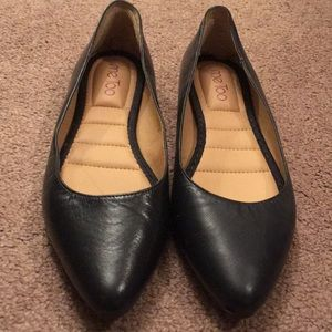 Leather Flats by Me Too Aimee Size 8.5